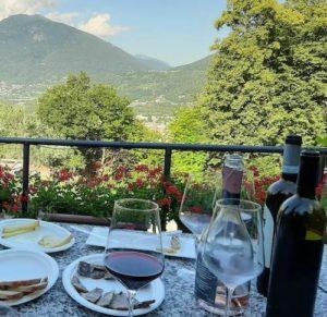 Degustazione con vista valle